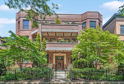 852 W Lakeside Place Chicago IL 60640