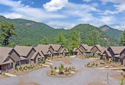 5231 Lake Forest Drive Tuckasegee NC 28783