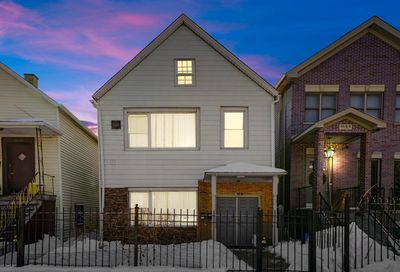 1642 N Campbell Avenue Chicago IL 60647