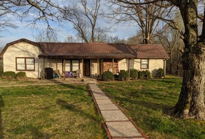 1506 Taylor Town Rd White Bluff TN 37187