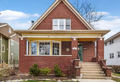 5825 N East Circle Avenue Chicago IL 60631
