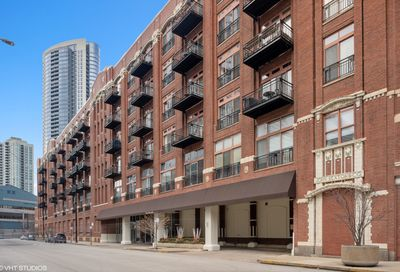 360 W Illinois Street Chicago IL 60654