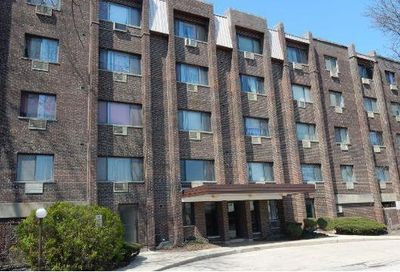 4624 N Commons Drive Chicago IL 60656