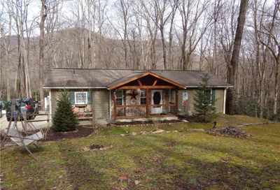 27 Maple Drive Maggie Valley NC 28751
