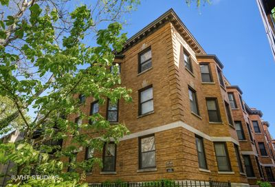 665 W Barry Avenue Chicago IL 60657