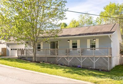 4 Mosers Place Candler NC 28715