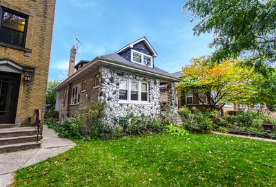6620 N Rockwell Street Chicago IL 60645