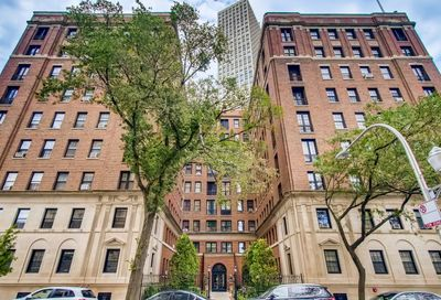 400 W Deming Place Chicago IL 60614