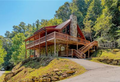61 Solid Rock Hollow Sylva NC 28779