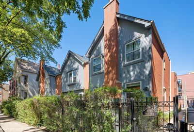 3235 N Kenmore Avenue Chicago IL 60657