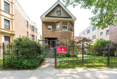 4939 N Winthrop Avenue Chicago IL 60640