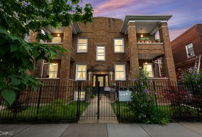 4724 N Troy Street Chicago IL 60625