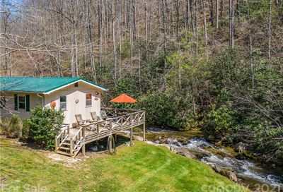 3266 Pigeon Roost Road Green Mountain NC 28740
