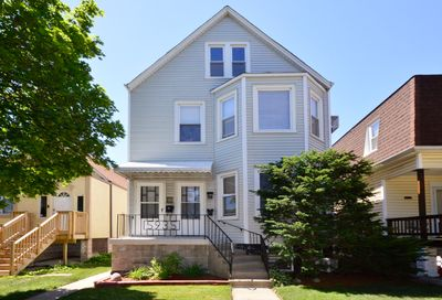 5935 W Giddings Street Chicago IL 60630