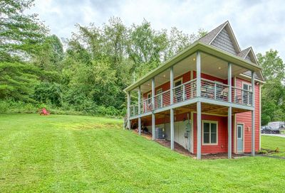 2604 Old Clyde Road Clyde NC 28721