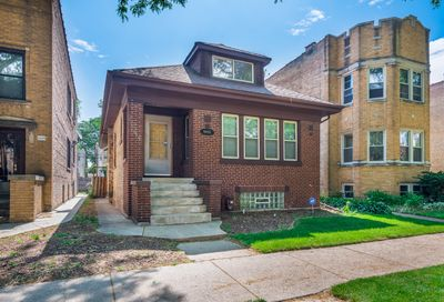 6645 N Campbell Avenue Chicago IL 60645