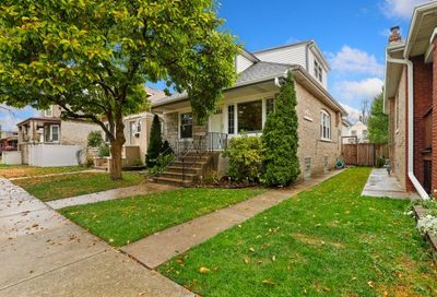 5824 W Waveland Avenue Chicago IL 60634