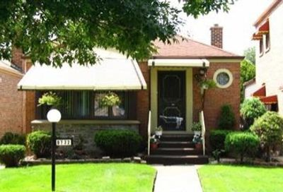 8732 S Paxton Avenue Chicago IL 60617