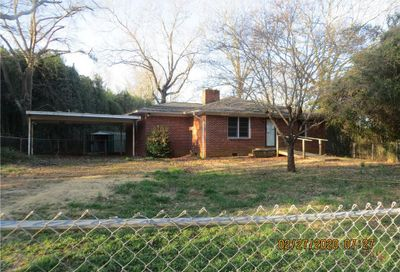 153 Cole Street Forest City NC 28043