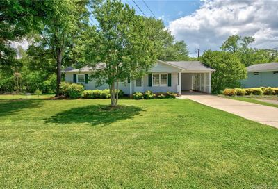 5012 Clearwater Lake Road Mount Holly NC 28120