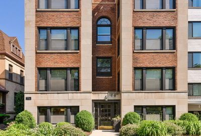 556 W Deming Place Chicago IL 60614