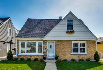 5005 N Rutherford Avenue Chicago IL 60656