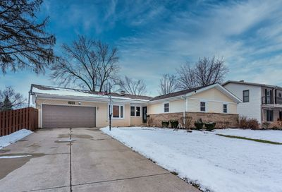 8901 Forest Lane Hickory Hills IL 60457
