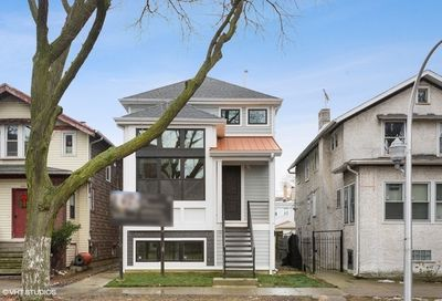 3329 W Eastwood Avenue Chicago IL 60625