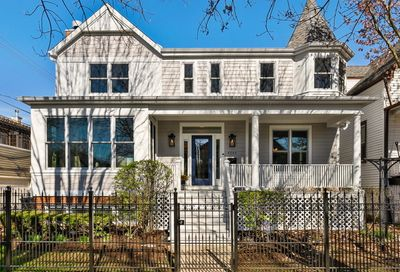 4245 N Bell Avenue Chicago IL 60618