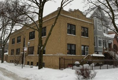 3058 N Honore Street Chicago IL 60657