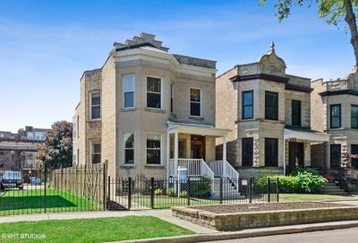 1207 W Newport Avenue Chicago IL 60657