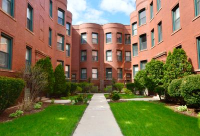 828 W Lakeside Place Chicago IL 60640