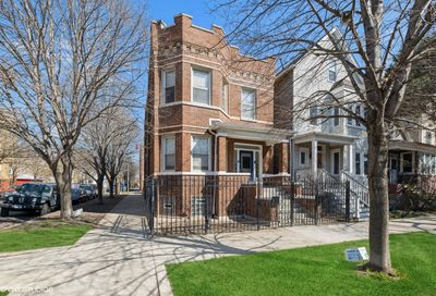 3534 W Belden Avenue Chicago IL 60647