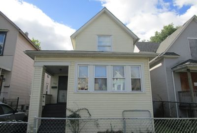 5237 W Race Avenue Chicago IL 60644
