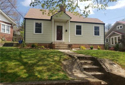 34 Maple Crescent Street Asheville NC 28806