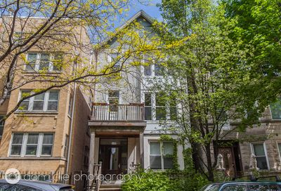 828 W Buckingham Place Chicago IL 60657