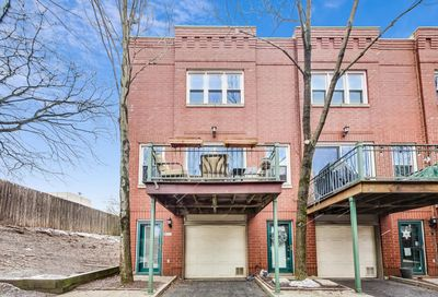 2929 N Honore Street Chicago IL 60657