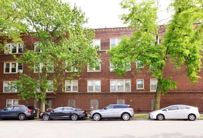1943 W Chase Avenue Chicago IL 60645