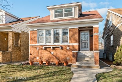 5842 N Marmora Avenue Chicago IL 60646