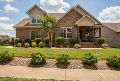 2005 Callaway Park Place Thompsons Station TN 37179