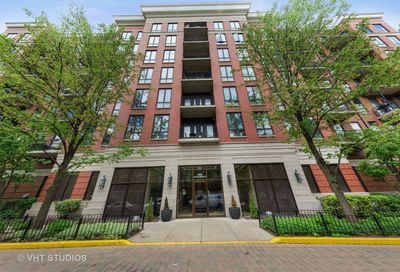 343 W Old Town Court Chicago IL 60610