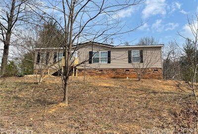 1214 Old Linville Road Marion NC 28752