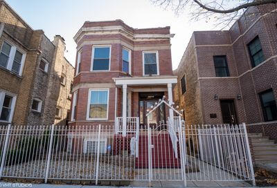 2443 W Eastwood Avenue Chicago IL 60625