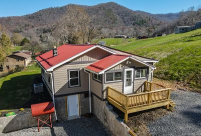 51 Smith Cove Road Candler NC 28715