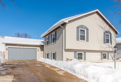 26 Autumn Lane Streamwood IL 60107