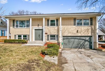 376 Hilkert Court Crystal Lake IL 60014
