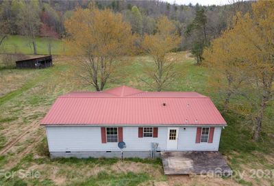 1432 Golden Road Lake Toxaway NC 28747