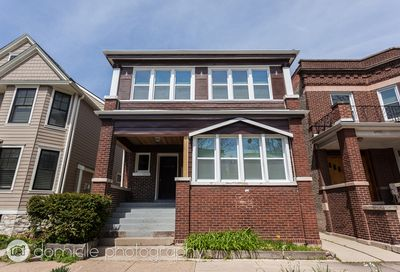 2432 W Eastwood Avenue Chicago IL 60625