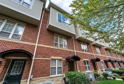 2709 W Riverview Parkway Chicago IL 60618