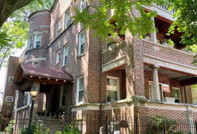 905 W Lakeside Place Chicago IL 60640